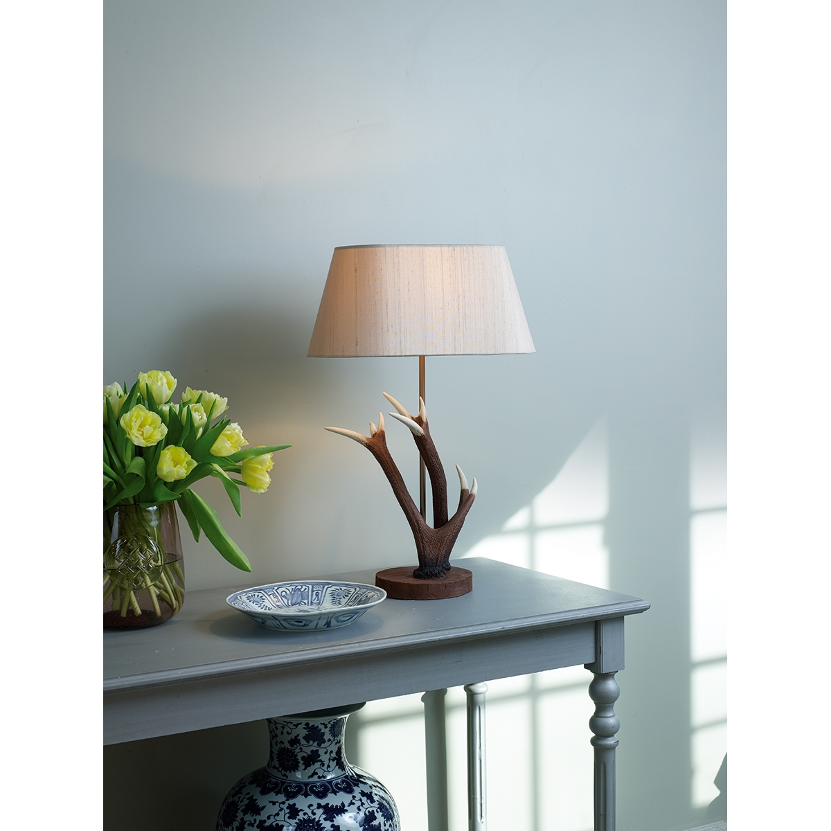 Rustic Floor Lamp With Table